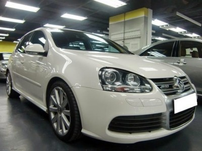 Volkswagen GOLF R32 AT 4DR