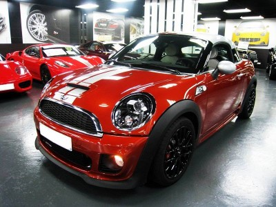 Mini COOPERS JCW COUPE