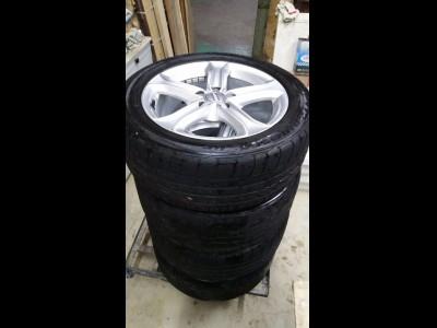 胎軨,A4,Audi A4 1.8 TFSI 13年原廠軨,